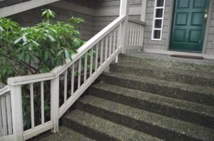Stairs with no handrail