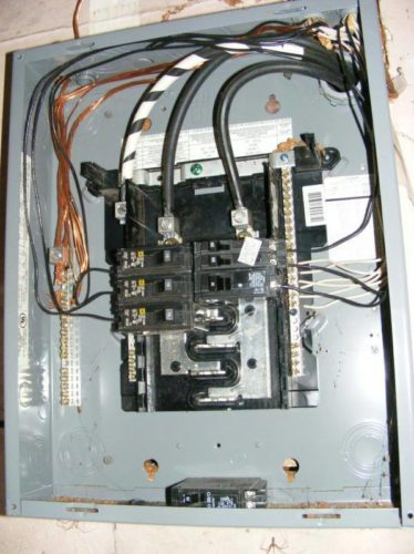 Bus bar fingers in an electrical panel