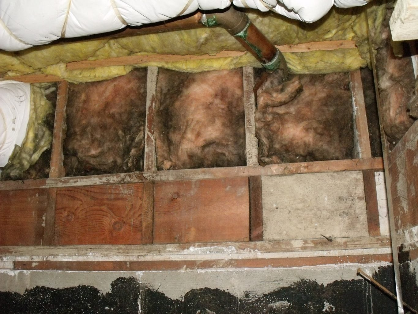 Home Tips Archives Page 42 Of 225 Charles Buell Inspections Inc Types Electrical Wiring Hometips We Should Never See Exposed Batt Type Insulation Around Skylight Chases