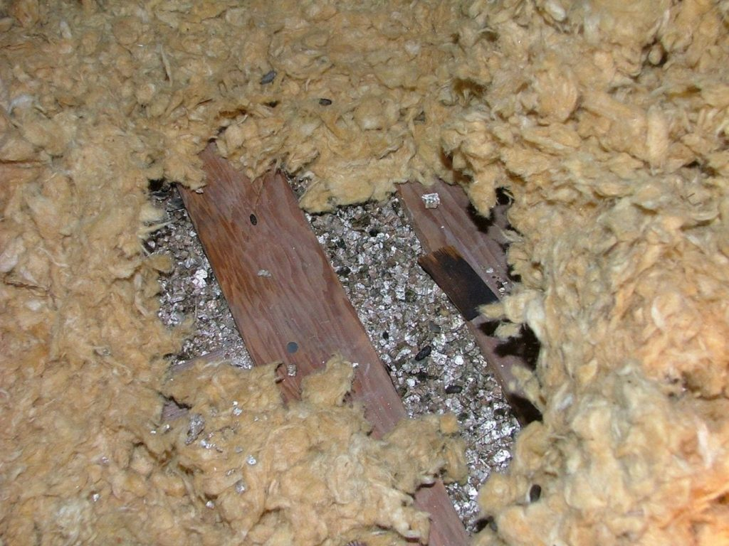 Buried vermiculite insulation