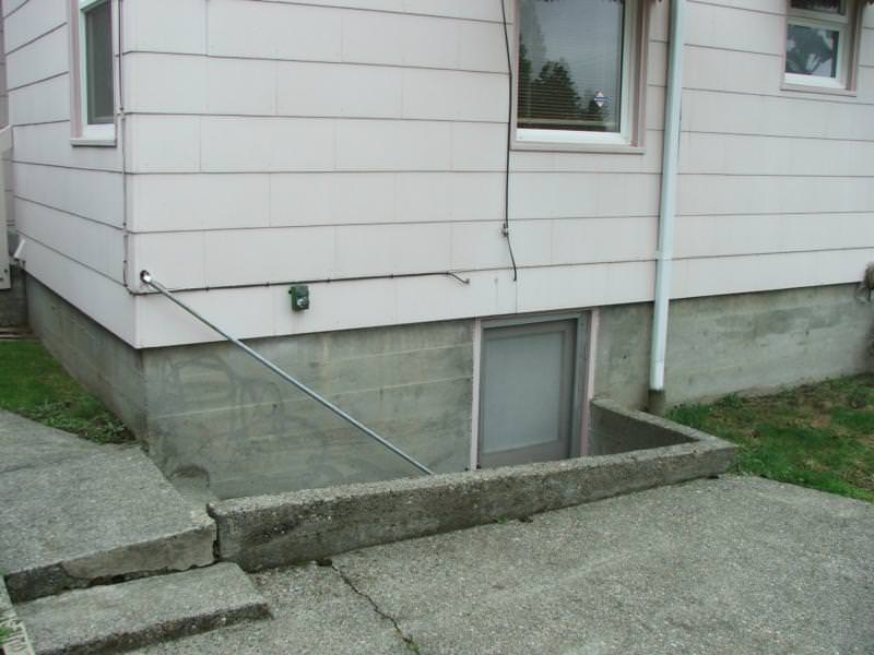 Stairwell Barrier Missing