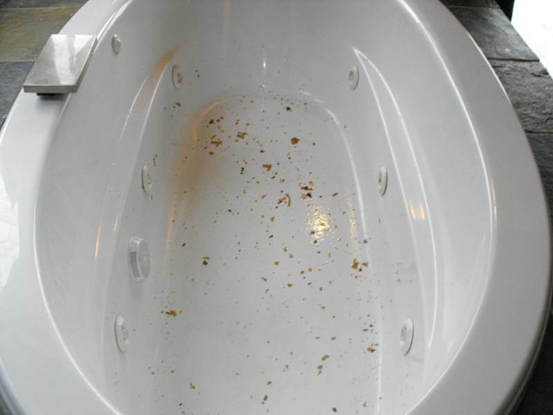 Dirty whirlpool bathtub