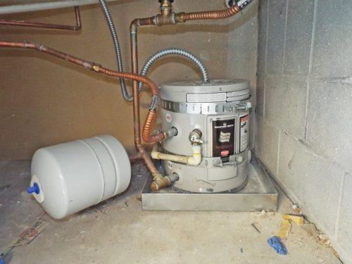 plumbinghotwater1